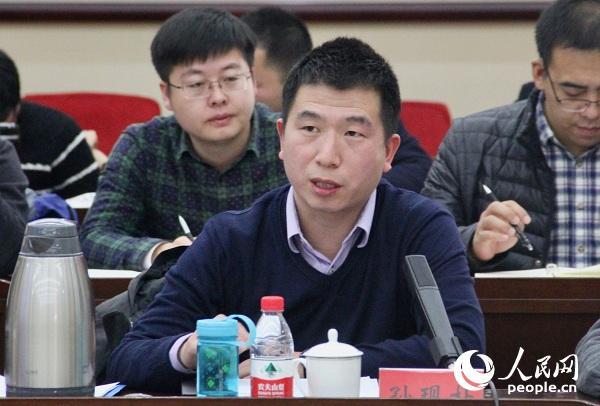 中央党校国际战略研究院助理研究员孙现朴发言。